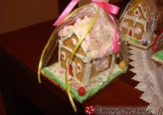 Christmas house with cookies Greek Christmas, Christmas Baking, Christmas Holidays, Christmas Houses, Xmas, Christmas Chocolate, Food And Drink, Cooking Recipes, Sweets