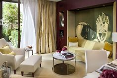 Mandarin Oriental Paris. 5 Star Luxury Hotel. Perfection at the right location. By Hotelied.
