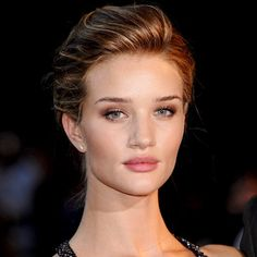 Look of the Day photo | Rosie Huntington-Whiteley - 2011