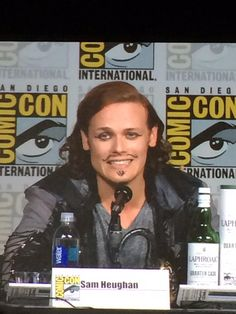 CAIT has a heavy hand. Lol RT @Zap2it: That's some eyeliner. #Outlander #SDCC Pirate Sam
