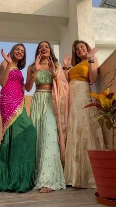 Teen Photography Poses, Indian Wedding Photography Poses, Stylish Photo Pose, Stylish Girls Photos, Best Photo Poses, Girl Photo Poses, Western Dresses For Girl, Best Friend Poses, Cute Girl Poses