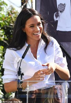 Meghan Markle's maternity leave ends with launch of new fashion range Meghan Markle, Princess Meghan, Prince Harry And Meghan, Kate Middleton, Interview Coaching, Sussex, Moving To The Uk, Designer Friends, Fragrance Parfum