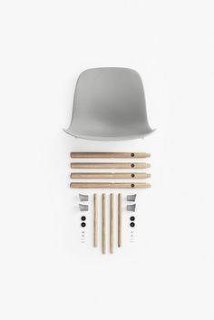 Normann Copenhagen - Form Spisebord Stol - Hvid Eg on thingswelove #thingswelove #TWL