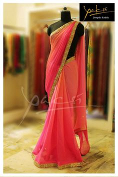 Coral to pink ombre sari. Say with a gold sequinned border? Chiffon Saree, Saree Dress, Crepe Saree, Fancy Sarees, Party Wear Sarees, Trendy Sarees, Lehenga Dupatta, Anarkali, Indian Dresses