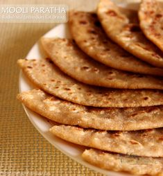 Mooli Paratha Indian Breads, Indian Flat Bread, Indian Dishes, Roti Recipe, Stuffing Mix, Indian Food Recipes, Ethnic Recipes, Dough Balls, Spice Mixes