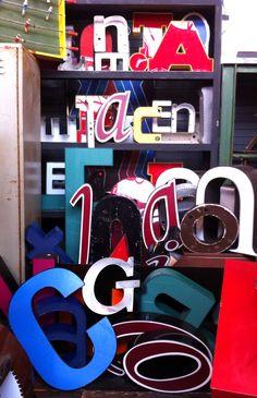 vintage sign letters | OldBrochures.com