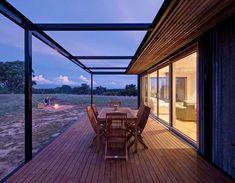 Tintaldra Cabin by Modscape « Inhabitat – Green Design, Innovation, Architecture, Green Building Modular Cabins, Modular Homes, Modular Housing, Farm Shed, Farm House, Modern Floor Plans, Off Grid Cabin, Timber Deck, Timber Battens