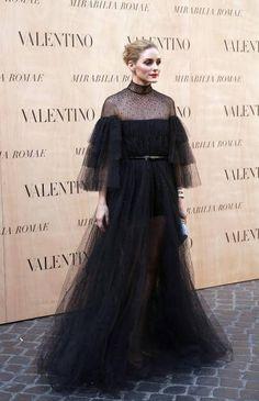 Eine atemberaubende Robe: Olivia in Valentino und bei Valentino