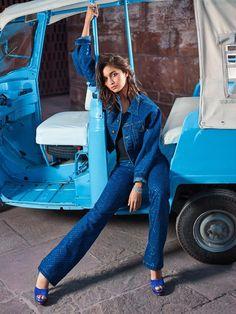 Alia Bhatt photoshoot for Vogue Magazine February Alia is looking ravishing in her hot poses. Checkout Alia Bhatt images from Vogue Magazine Bollywood Photos, Bollywood Girls, Bollywood Actors, Bollywood Fashion, Bollywood Style, Bollywood News, Alia Bhatt Photoshoot, Indian Photoshoot, Indian Celebrities