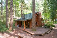 Check out this awesome listing on Airbnb: Escape to vintage Mt. Hood retreat in Brightwood