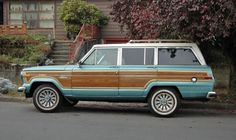 Vintage Cars Love the color of this classic Jeep Wagoneer. Jeep Cars, Jeep Truck, Us Cars, Jeep Jeep, Vintage Jeep, Vintage Trucks, My Dream Car, Dream Cars, Classic Trucks