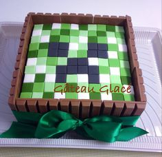 Bolo minecraft Mais Minecraft Cupcakes, Minecraft Birthday Cake, Mindcraft Party, Ironman Cake, Creeper Minecraft, 5th Birthday Party Ideas, Cake Decorating Techniques, Slumber Parties, Holidays And Events