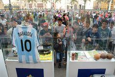 La camiseta de Maradona fue como siempre la estrella de la exhibición / #sports #soccer #fútbol #colección #soccerfan #CopaAmérica #Chile2015