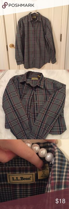 L.L.Bean Flannel Used but still in good condition. Excellent quality. All sales final L.L. Bean Shirts Casual Button Down Shirts