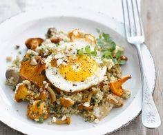 Une assiette de #quinoa aux #champignons et #oeuf sur le plat
