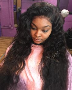 THIS IS A GLUELESS LACE FRONTAL UNIT NO GLUE OR SEWIN IS REQUIRED FOR this look…