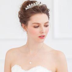 ティアラ パール風 上品なデザイン ヘッドドレス クラウン ウェディング HP15019