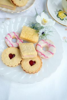 Classic British biscuits – Jammy Dodgers, Custard Creams and Party Rings - Supergolden Bakes Tea Recipes, Sweet Recipes, Cookie Recipes, Party Recipes, Logo Patisserie, Easy Biscuit Recipe, English Tea Biscuit Recipe, English Biscuits, British Biscuits