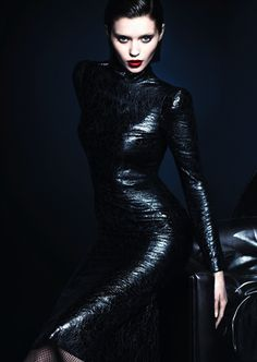 ABBEY LEE KERSHAW GUCCI FW 2013 CAMPAIGN DARK BRUNETTE HAIR RED LIPS LIPSTICK BLUE EYES LUXE MERT MERCUS BEAUTY HAIR SIDE PART SMOKEY EYE TEXTURED CRACKLE LEATHER TURTLENECK PENCIL SKIRT DRESS FISHNET STOCKINGS TIGHTS
