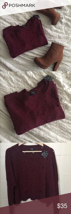 FITS XXS-XL / Distressed sweater / NASTY GAL Ripped oversized sweater. Tag says XXS but it can fit up to XL. It's very oversized! Super comfy and soft. Perfect for fall!! Nasty Gal Sweaters Crew & Scoop Necks