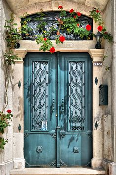 How fun is this ornate front #door #design painted in #blue?