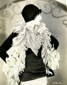 """The photo """"Evelyn Brent"""" has been viewed 183 times. Old Hollywood Glamour, Vintage Glamour, Vintage Hollywood, Vintage Beauty, Vintage Hats, Vintage Vogue, 20s Fashion, Fashion Beauty, Vintage Fashion"""