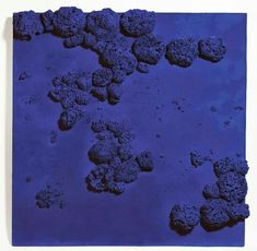 Yves Klein - Relief éponge bleu (RE 51). 1959.
