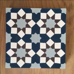 Modèle Fès de la Maison BAHYA, carreaux de ciment fabriqués à la demande, à personnaliser avec nos 72 couleurs. #carreauxdeciment #cementtiles #tailormade #handmade