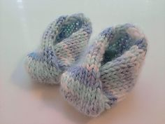 Ravelry: Knit No Button Baby Booties pattern by StitchLeft