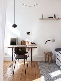 Tips and ideas for home office design layout makeovers to inspire creativity and boost productivity. Home Office Inspiration, Workspace Inspiration, Decoration Inspiration, Office Ideas, Decor Ideas, Interior Inspiration, Style Inspiration, Home Office Design, Home Office Decor