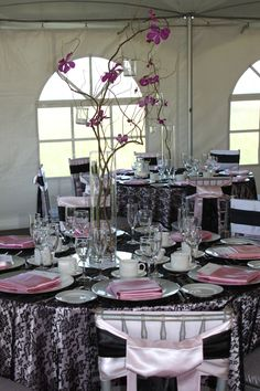 .ooohhh . & our pink \u0026 black table setting | party/scene ideas | Pinterest ...