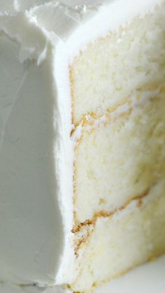 This White Cake recipe is the perfect cake for so many celebrations! This Best White Cake is simple to make and is a moist, tender cake everyone loves. The Best White Cake Recipe Ever, Easy White Cake Recipe, Moist White Cake, Moist Vanilla Cake, Mini Cakes, Cupcake Cakes, Cupcakes, Baking Recipes, Dessert Recipes