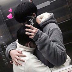 Imagem de Boys Love, gay, and boyslove Korean Boys Ulzzang, Ulzzang Couple, Ulzzang Boy, Tumblr Gay, Lgbt Couples, Cute Gay Couples, Gay Aesthetic, Couple Aesthetic, Gay Lindo