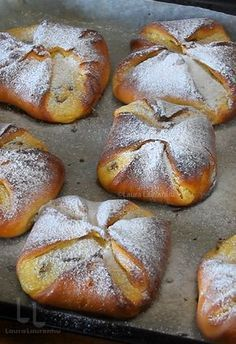 Romanian Desserts, Romanian Food, Baking Recipes, Dessert Recipes, Food Plus, Good Food, Yummy Food, Healthy Low Carb Recipes, Pastry And Bakery