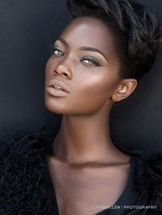 Short Trendy Black Hairstyle