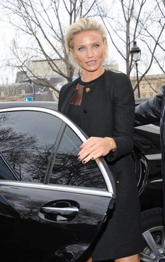 Cameron Diaz Photo - Celebs Arriving at the Versace Spring-Summer 2012 Show