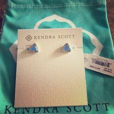 Kendra Scott Parker Studs in Periwinkle Brand new never worn studs! Kendra Scott Jewelry Earrings