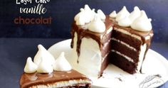 Recette de layer cake vanille et chocolat facile ! Un gâteau d'anniversaire ou de fête délicieux et joli.