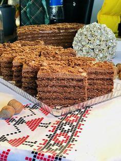Prăjitura Dumbrăvița cu cremă de ciocolată foi cu cacao și alune de pădure Food Cakes, Cake Recipes, Picnic, Deserts, Ice Cream, Recipies, Cakes, No Churn Ice Cream, Easy Cake Recipes