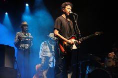 """O Sesc Osasco recebe o músico Siba Veloso no sábado, 28, às 20h, para a apresentação de seu novo trabalho solo, ''Avante'', que dá destaque à guitarra como um de seus principais instrumentos. Os ingressos para o show custam de R$12 a R$3. Produzido por Fernando Catatau, o disco une elementos musicais, poéticos, geográficos, literários...<br /><a class=""""more-link"""" href=""""https://catracalivre.com.br/geral/agenda/barato/novo-show-de-siba-veloso-em-osasco/"""">Continue lendo »</a>"""