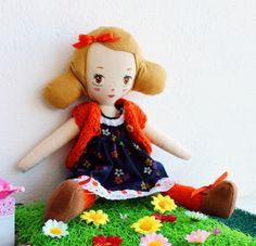 Mimi doll // by Je Suis Mimi    https://www.etsy.com/listing/171863625/mimi-handmade-cloth-art-doll #ragdoll #handmade