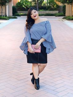 Dramatic sleeves are the perfect way to add a little flair to your fall wardrobe! Loving this off shoulder, flared sleeve top from City Chic at Macy's. Click through to shop the entire look! #macysplus  #macyslove #ad