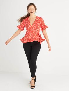 What to Wear Night Out - I love the fit/cut of this top! So flattering for my curvy body type