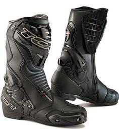TCX Moto S Speed Gore Tex Stiefel - Produkte - # górę . Waterproof Motorcycle Boots, Mens Motorcycle Boots, Motorcycle Outfit, Biker Boots, Combat Suit, Combat Boots, Biker Accessories, Rick E, Biker Gear