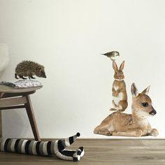 KEK Amsterdam Forest Friends SET 2 muursticker: een gezellige dierenboel in huis met een mus, egel, konijn en hert. #kinderkamer