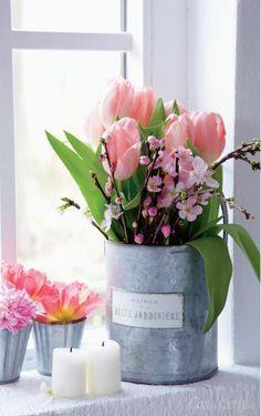 Najkrajšie jarné kytice: Triky profesionálov, aby vám kvety čo najdlhšie vydržali