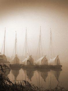 River-Thurne-Dawn by Martin Watts 2005, via Flickr