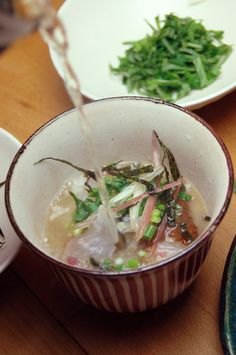 "Raw Fish Sashimi on Rice, Pour on Hot Japanese Tea, you've got a Tasty ""Chazuke""|鯛茶漬け"