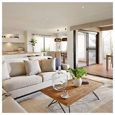 Hold current with the most recent small living room decor ideas (chic & modern). Discover great methods for getting trendy style even if you have a small living room. Home Living Room, Apartment Living, Living Room Designs, Living Room Decor, Dining Room, Home Design, Interior Design, Design Ideas, Simple Interior