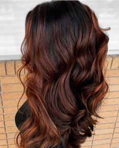 🍁Feels like Fall 🍁 (honestly it's here in Texas, but I'm burning fall candles and have the AC turned down to so I can wear a… Balayage Hair Brunette Long, Hair Color Balayage, Updo, Curly Hair Styles, Natural Hair Styles, Long Natural Hair, Auburn Hair, Relaxed Hair, Stylish Hair